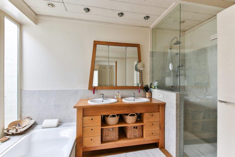 5 ventajas de cambiar la bañera por plato de ducha