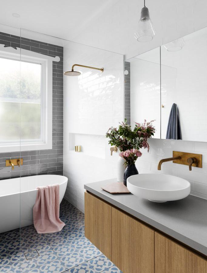 Cómo alicatar un cuarto de baño tras una reforma integral