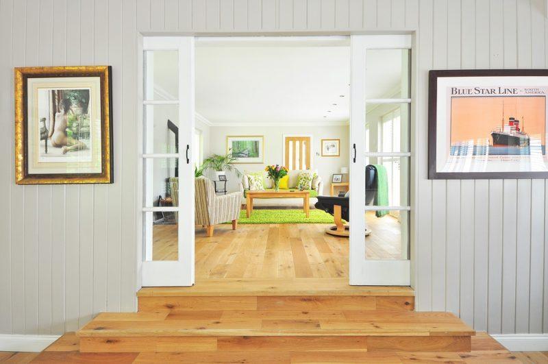 Cuál es el mejor material para las puertas de casa interiores