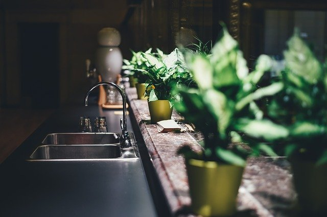 Cambiar el fregadero de la cocina durante una reforma