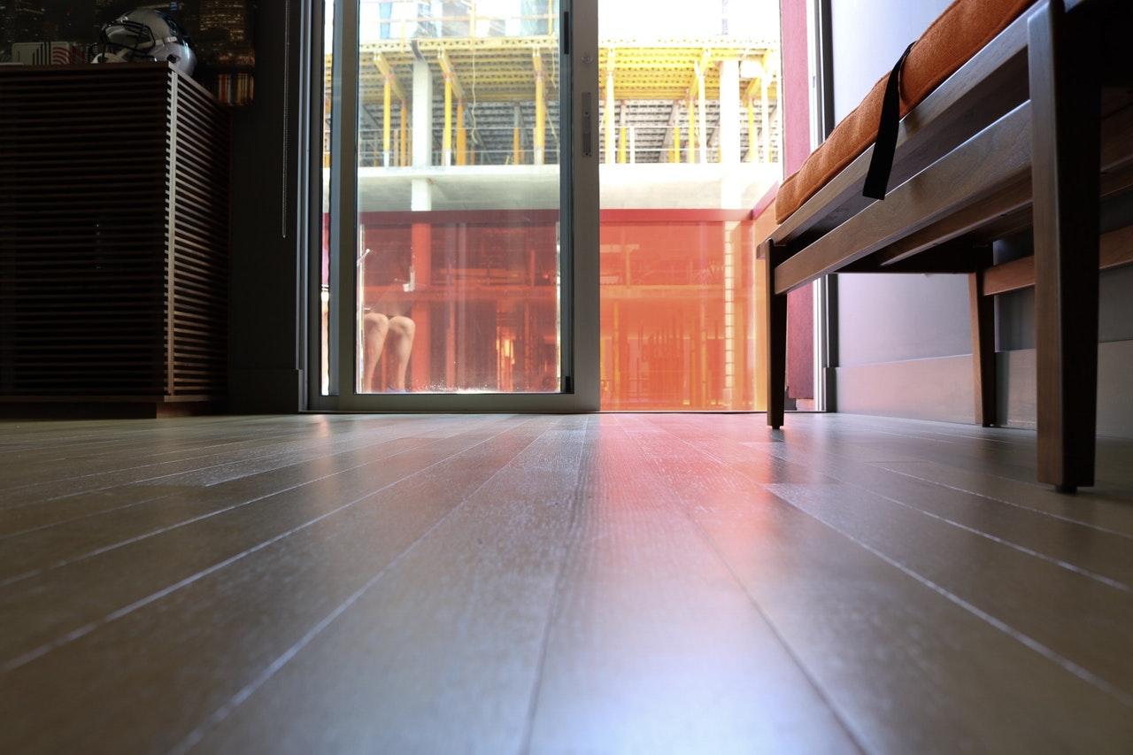 Reforma del suelo: cuál es el mejor suelo para una casa
