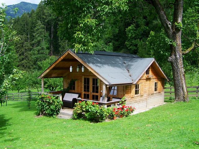 Cuidado y mantenimiento de los exteriores de madera de una casa
